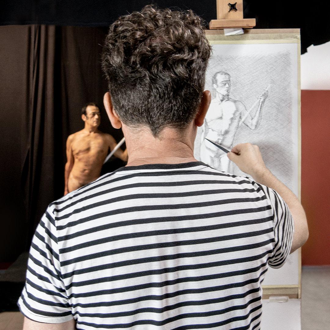 zeichnende Person